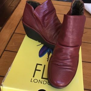 Fly London Córdoba Red Leather Yip Ankle Boots